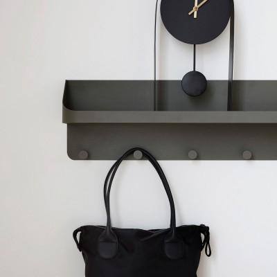 Garderobe mit Haken und Ablagefach