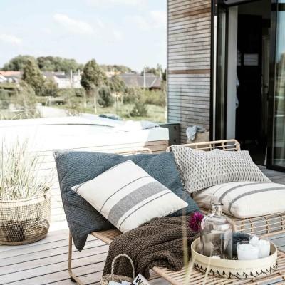 Kissen mit Streifen für Couch & Sessel